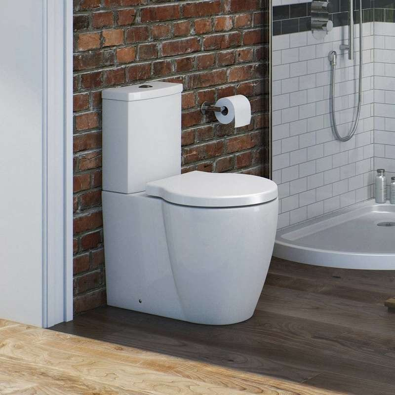 Maine close coupled toilet with soft close seat
