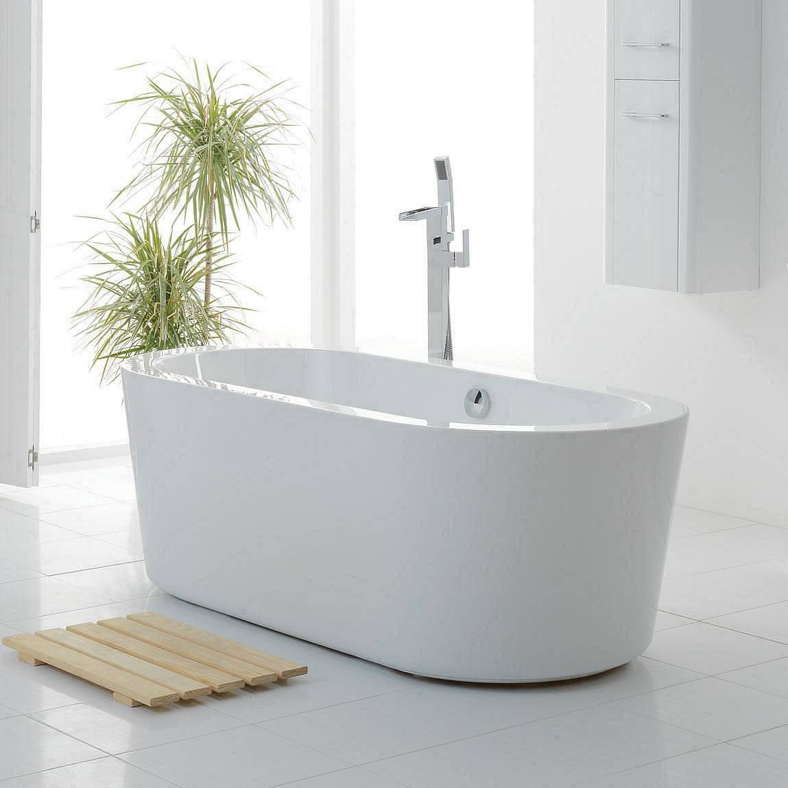 Crescent Freestanding Bath Small 1560 X 735