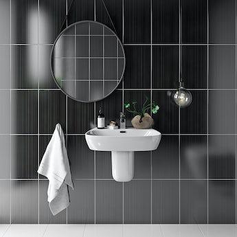Linear black gloss tile 248mm x 398mm